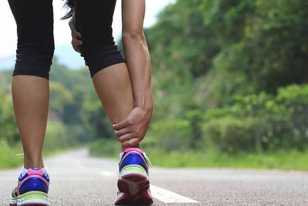 آیا گرفتگی عضلات عارضهای جدی است؟ علت و درمان