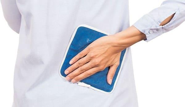 درمان درد دنبالچه با استفاده از کیسههای گرم و سرد